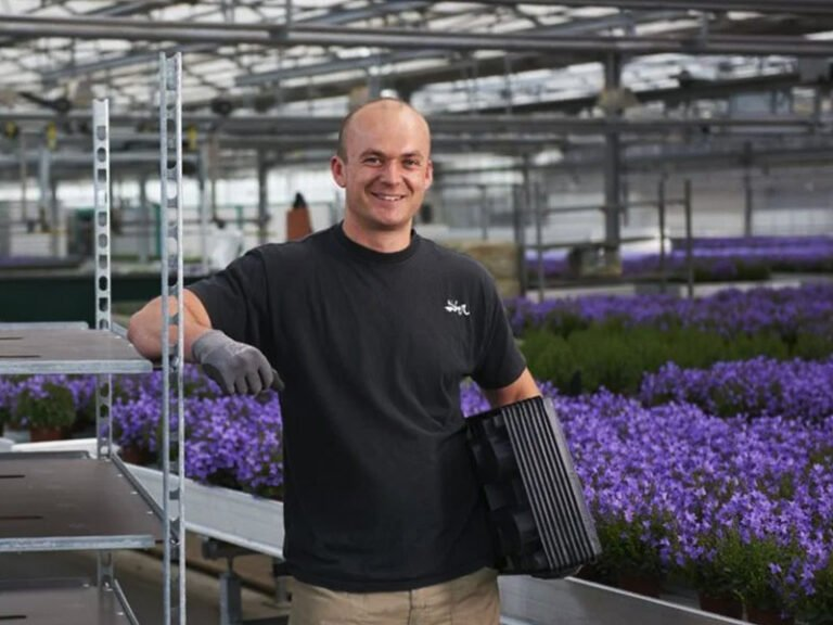 Flower Customers Shelves Shelf Container Flowers plants trolleys containers customers container centralen